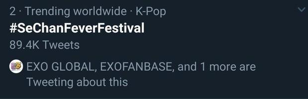 Chỉ với 2 thành viên nhưng EXO-SC đã biến 1 show diễn thành concert riêng, lightstick lọt top trending khiến Chanyeol đăng đàn khen ngợi fandom hết lời - Ảnh 4.