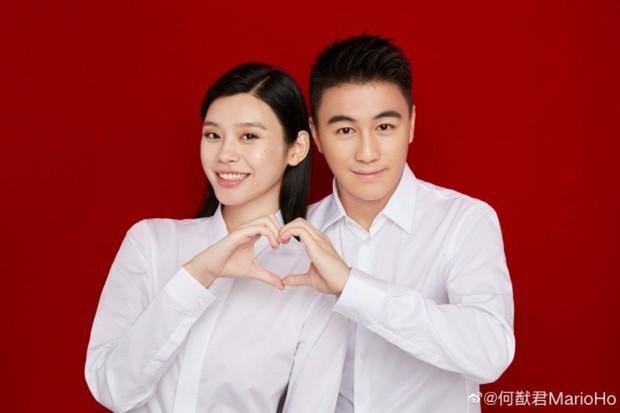 HOT: Cháu đích tôn đời thứ 5 gia tộc Macau lộ diện trong vòng tay bảo mẫu, còn bé mà rõ nét nổi bật từ vợ chồng Ming Xi - Ảnh 3.