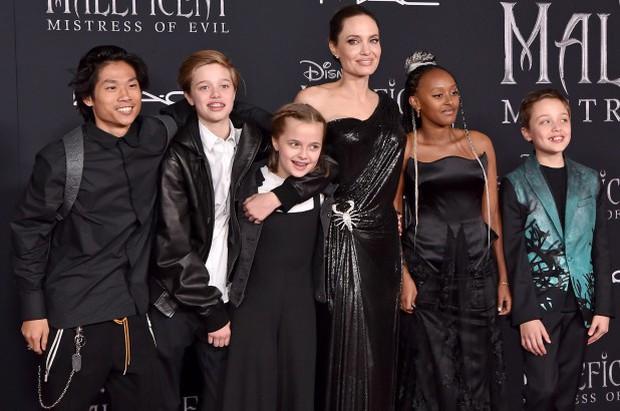 Xôn xao tin cô con gái Shiloh kêu gào cầu cứu Brad Pitt vì sống khổ sở bên Angelina Jolie - Ảnh 2.