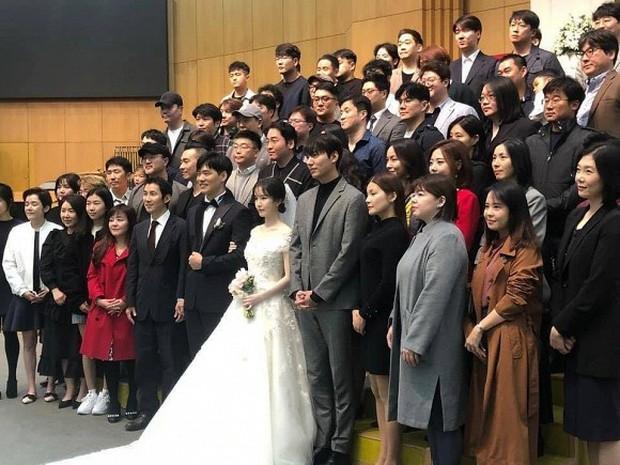 Ai như Lee Min Ho, dự đám cưới bạn thân mà chiếm hết spotlight vì bảnh bất chấp camera thường cùng chiều cao khủng - Ảnh 4.