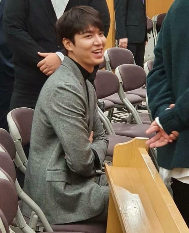 Ai như Lee Min Ho, dự đám cưới bạn thân mà chiếm hết spotlight vì bảnh bất chấp camera thường cùng chiều cao khủng - Ảnh 6.