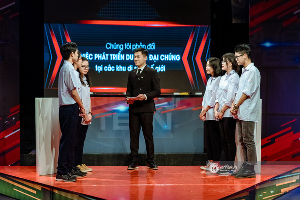 """Chung kết cuộc thi debate hot nhất của học sinh hiện nay: """"Tour du lịch mở tràn lan, phượt thủ đi đến đâu phá hoại đến đó"""" - Ảnh 1."""