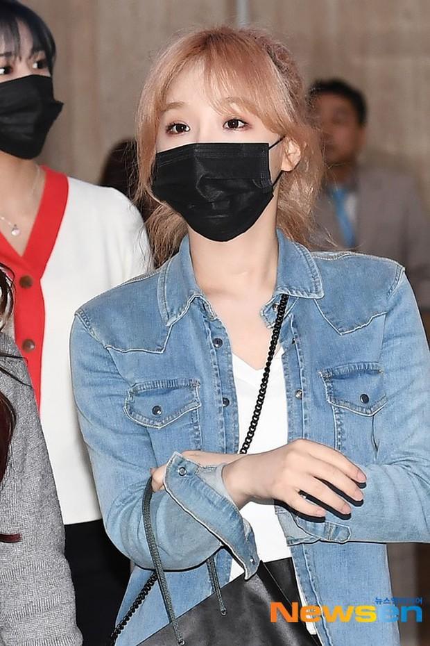 Lâu lắm mới có girlgroup khiến Knet trầm trồ vì visual cả nhóm quá đỉnh ở sân bay, mỹ nhân người Nhật lột xác bất ngờ - Ảnh 12.