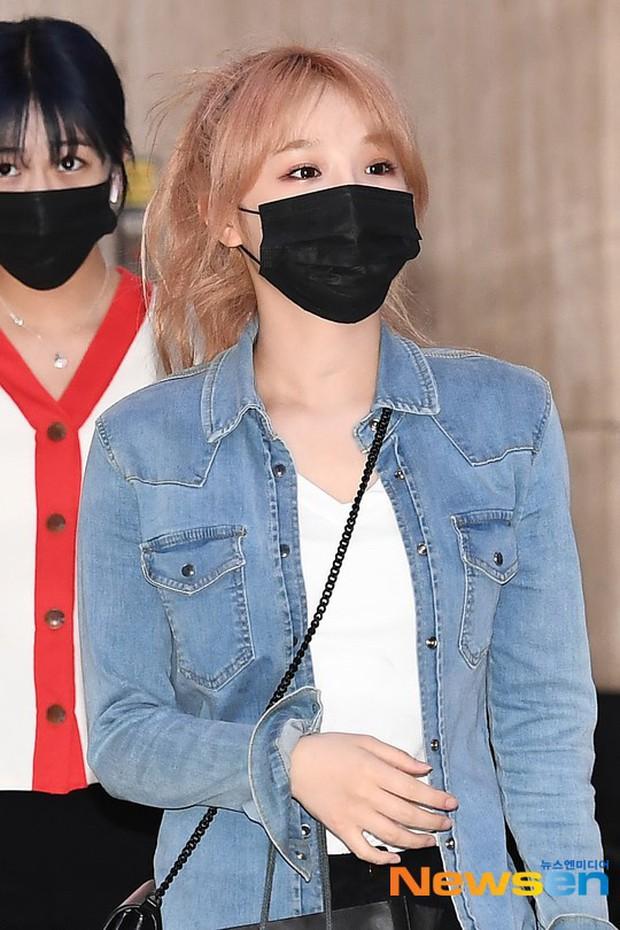 Lâu lắm mới có girlgroup khiến Knet trầm trồ vì visual cả nhóm quá đỉnh ở sân bay, mỹ nhân người Nhật lột xác bất ngờ - Ảnh 13.