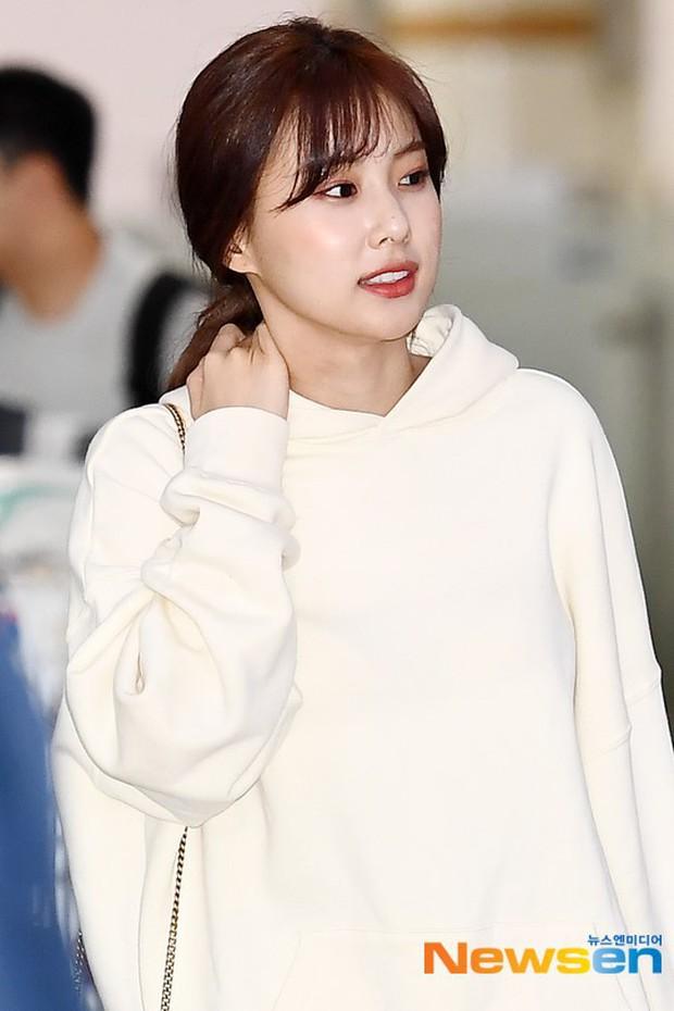 Lâu lắm mới có girlgroup khiến Knet trầm trồ vì visual cả nhóm quá đỉnh ở sân bay, mỹ nhân người Nhật lột xác bất ngờ - Ảnh 8.