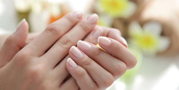 10 dấu hiệu của móng tay cho thấy sức khỏe của bạn đang có vấn đề - Ảnh 2.