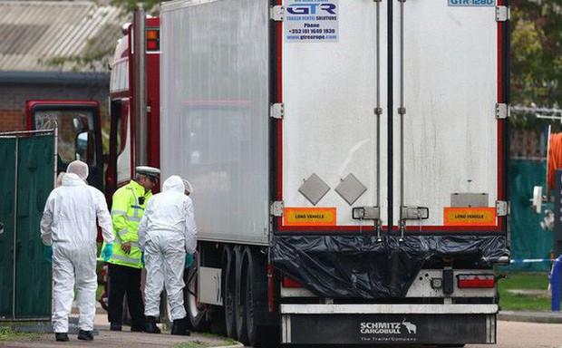 Thứ trưởng Bộ Ngoại giao: Hồ sơ 4 nạn nhân tử vong trong container ở Anh được chuyển cho Việt Nam - Ảnh 1.
