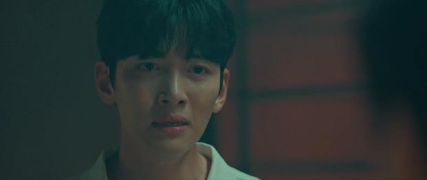Ji Chang Wook lôi crush vào phòng tắm hôn chỉ để giảm nhiệt ở tập 10 Nhẹ Nhàng Tan Chảy? - Ảnh 4.