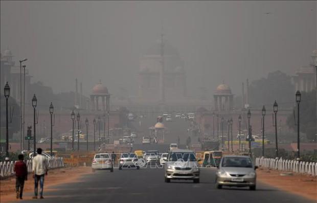 Chất lượng không khí ở thủ đô Ấn Độ giảm xuống mức nguy hiểm - Ảnh 1.