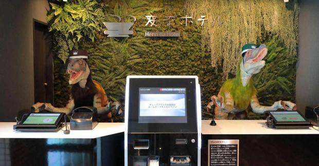 Khách sạn nổi tiếng Nhật Bản bị quay lén vì hack robot phục vụ, phải ê mặt xin lỗi khách hàng - Ảnh 1.