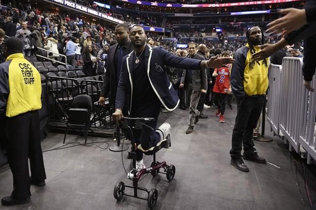 Chẳng những sự nghiệp bị hủy hoại, sao bóng rổ còn đứng trước nguy cơ mất luôn hợp đồng triệu USD chỉ vì một lý do khó đỡ - Ảnh 2.