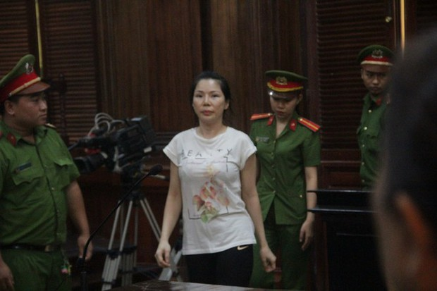 Bác sĩ Chiêm Quốc Thái bị vợ cũ thuê côn đồ chém: Truy vai trò bà Trần Hoa Sen - Ảnh 1.