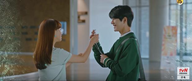 Ji Chang Wook lôi crush vào phòng tắm hôn chỉ để giảm nhiệt ở tập 10 Nhẹ Nhàng Tan Chảy? - Ảnh 5.