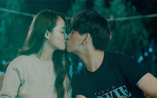 Loạt MV của Nguyễn Trần Trung Quân cái nào cũng drama cẩu huyết: Từ bách hợp đến đam mỹ đủ cả, ngôn tình hiện đại thì tai nạn hiến tim như phim Hàn Quốc - Ảnh 2.