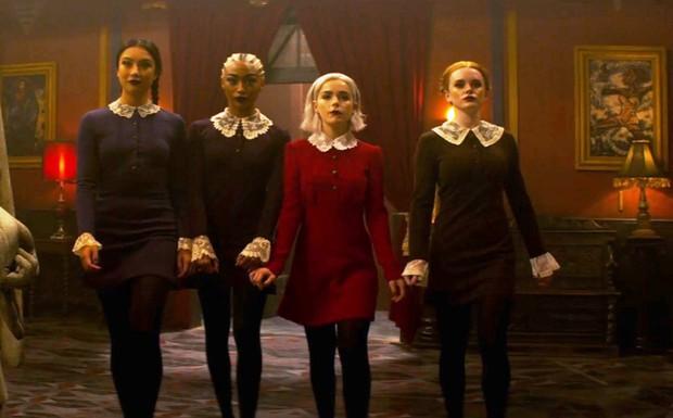 5 lên đồ chơi Halloween sao cho ngầu: Tha hồ lựa từ My Sói tới Sabrina chặt đẹp chị em - Ảnh 2.
