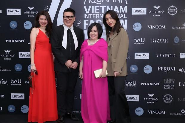 Hoa hậu HHen Niê diện váy xẻ cao vút, đọ sắc với Á hậu Thúy Vân trước giờ G sự kiện AVIFW Thu Đông 2019 - Ảnh 4.