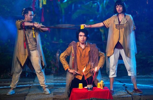 Makeup Halloween theo phong cách phim Việt: Có cả ma nữ kem trộn của Hoa Hồng Trên Ngực Trái - Ảnh 4.