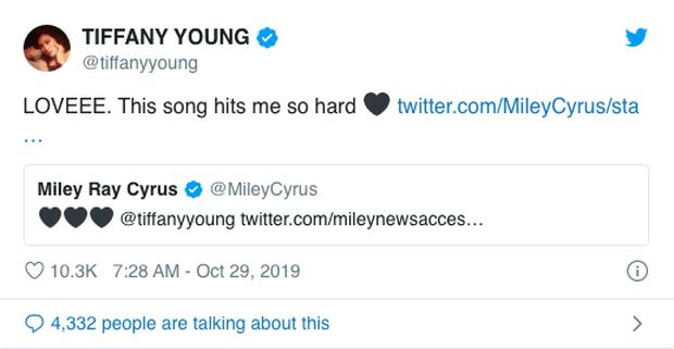 Tiffany cover Wrecking Ball theo phong cách mới, được chính chủ Miley Cyrus bày tỏ tình cảm khiến fan ngồi cầu ngay một màn collab - Ảnh 3.