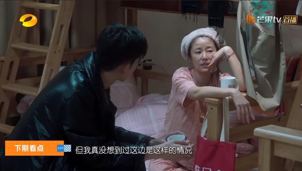 Lâm Tâm Như, Angela Baby, Địch Lệ Nhiệt Ba... khoe mặt ít son phấn trên show thực tế: Ai ấn tượng nhất? - Ảnh 4.