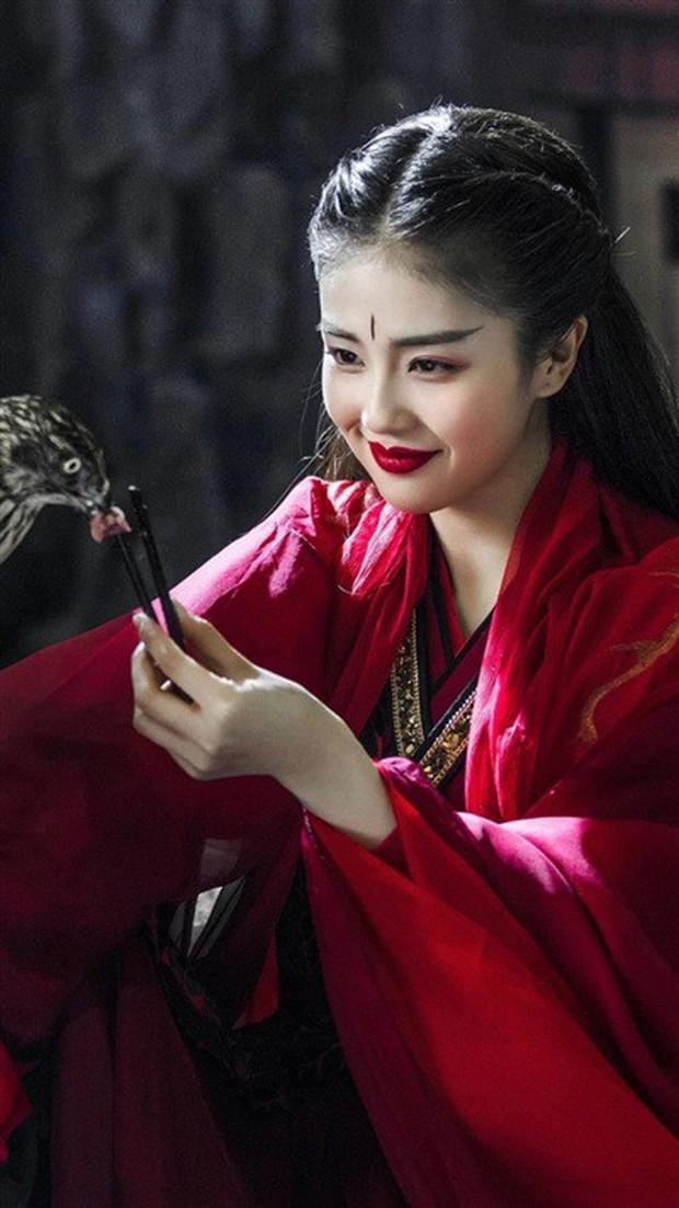 10 tạo hình cổ trang đẹp nhức nách của sao Hoa Ngữ 9x: Địch Lệ Nhiệt Ba thắng tuyệt đối, Dương Tử cũng thường thôi - Ảnh 18.