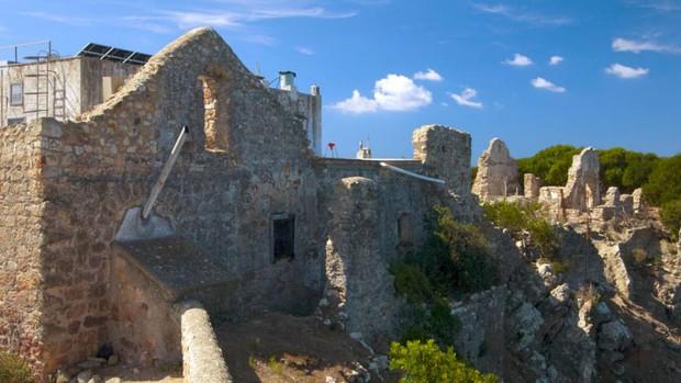 Chuyện về hòn đảo nhỏ bé từng là nơi ăn chơi trụy lạc của giới thượng lưu Ý, ghi dấu mối tình tay ba đầy twist cùng vụ án mạng động trời - Ảnh 3.