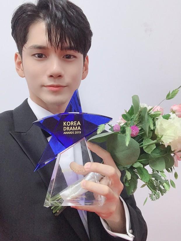 Hotel Del Luna trắng tay, SKY Castle thắng đậm tại giải thưởng truyền hình lớn nhất Hàn Quốc - Korea Drama Awards - Ảnh 6.