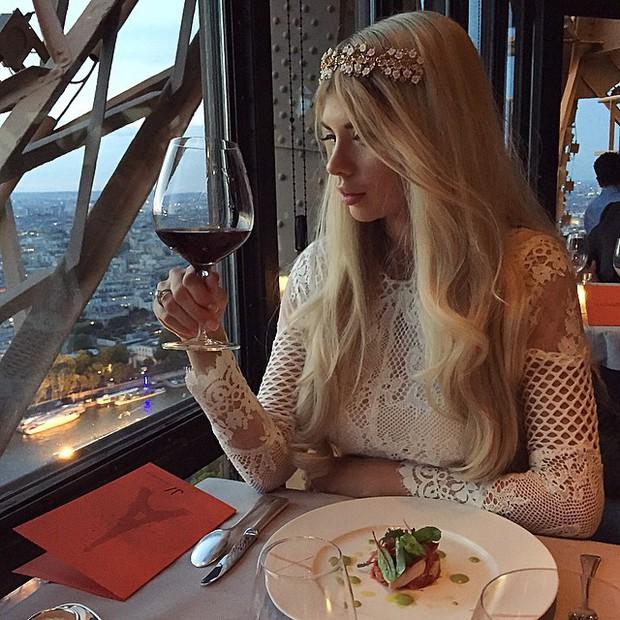 Tưởng chỉ để sống ảo, giữa tháp Eiffel còn có cả nhà hàng và bí ẩn nhất là căn hộ khổng lồ nằm trên đỉnh - Ảnh 12.