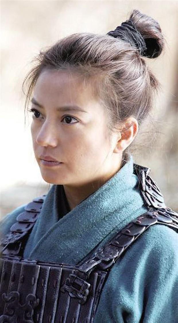 Điện ảnh Trung Quốc công khai khiêu chiến Hollywood: 2 Mộc Lan cùng chiến nhau ngoài rạp vào năm 2020! - Ảnh 3.