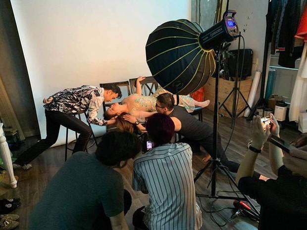 Ca sĩ Minh Tuyết ngất xỉu khi đang chụp ảnh, nguyên nhân giống nhiều nghệ sĩ Vbiz từng mắc phải! - Ảnh 1.