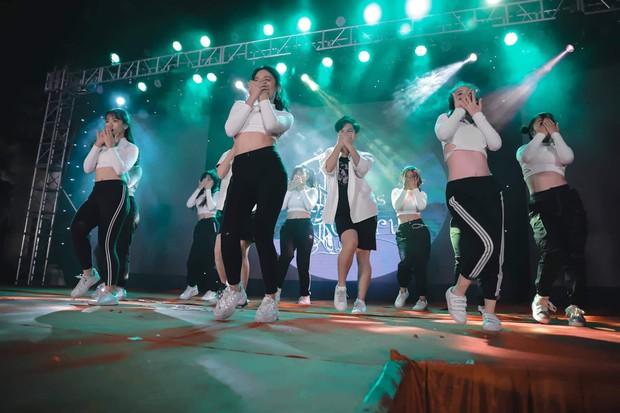 Kết hợp độc đáo giữa Reflection đình đám của ALiEN và bài thể dục giữa giờ, bản dance cover của học sinh Việt Đức nổi rần rần trên mạng - Ảnh 5.