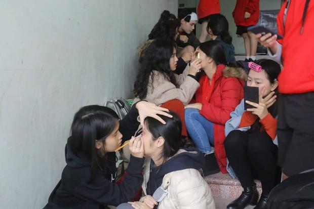 Kết hợp độc đáo giữa Reflection đình đám của ALiEN và bài thể dục giữa giờ, bản dance cover của học sinh Việt Đức nổi rần rần trên mạng - Ảnh 7.