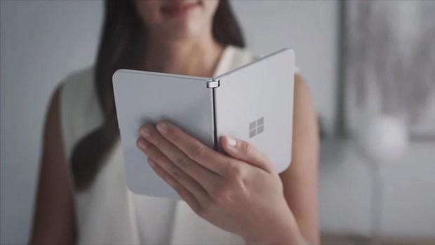 Microsoft bất ngờ ra mắt Surface Duo: Cuốn sổ tay 2 màn hình đầy tinh khôi và thanh thoát - Ảnh 2.