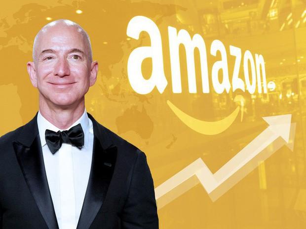 Nhìn lại những nấc thang 55 cuộc đời của tỷ phú Jeff Bezos: Từ gã bán sách bị Phố Wall mỉa mai đến vị trị số 1 chưa có người thay thế - Ảnh 1.