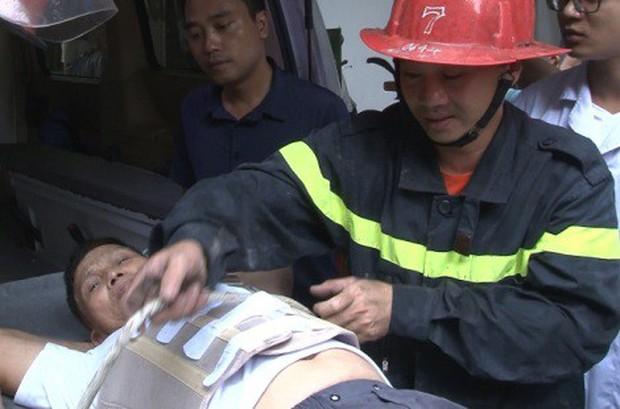 Người đàn ông thoát chết khi rơi từ tầng 3 - Ảnh 1.
