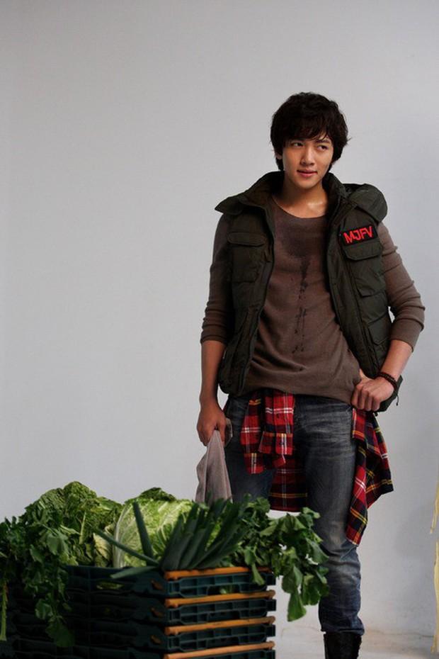 Đội quần với 5 màn tấu hài của Ji Chang Wook: Nựng tóc bết người yêu chưa lầy bằng thánh chốt đơn rau củ! - Ảnh 11.