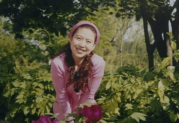 Vụ án nữ giáo sư xinh đẹp, tài giỏi bị giết trong căn nhà trống 14 năm về trước với manh mối quan trọng là chiếc cúc áo nam - Ảnh 3.