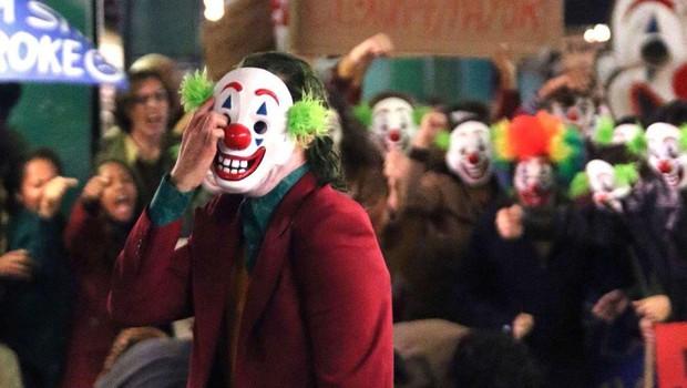 5 lý do nhất định phải xem Joker: Fan DC chắc chắn phải xem, fan Marvel càng phải ra rạp! - Ảnh 4.