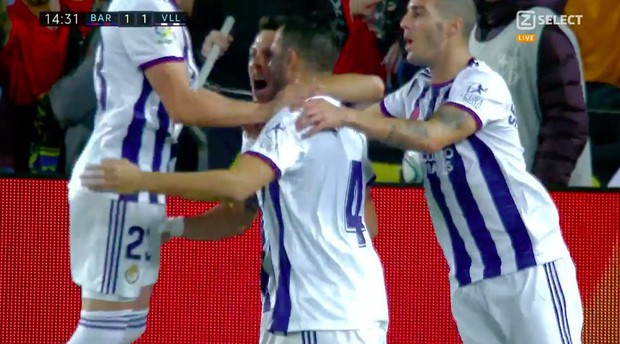 Messi tạo khoảnh khắc thiên tài, Barca đại thắng ở vòng 11 La Liga - Ảnh 3.