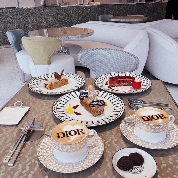 HOT: Ít ai biết thương hiệu Dior xa xỉ lại mở 1 quán cafe giữa lòng Seoul, độ sang chảnh thì khỏi phải bàn cãi - Ảnh 11.