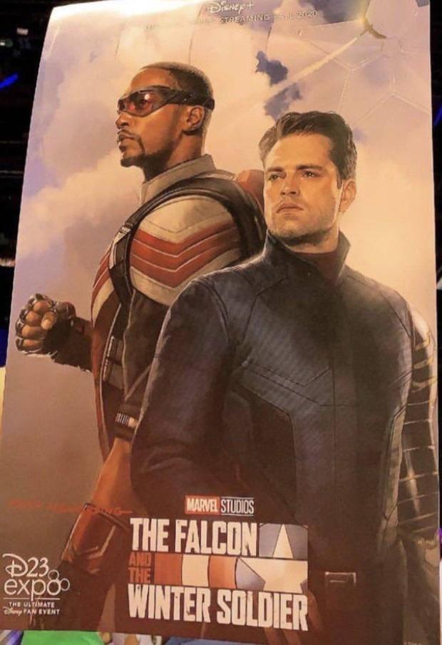 Chris Evans vẫn chưa hết duyên làm Captain America, dù có tuổi vẫn đủ sức đi đu đưa cùng hội BFF - Ảnh 2.