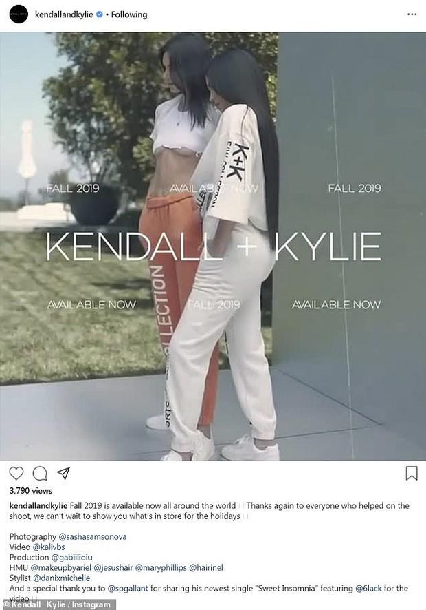 Chị em Kendall và Kylie Jenner lâu lắm mới đọ body trực diện, so với ảnh quá khứ đúng là một trời một vực - Ảnh 2.