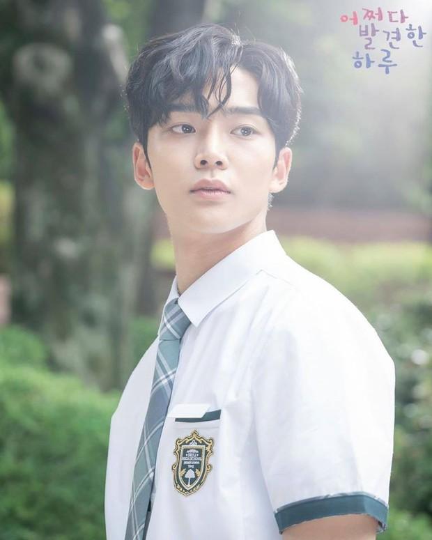 3 lý do vì sao trai hư Baek Kyung (Extraordinary You) bít cửa trước bạch mã hoàng tử Haru - Ảnh 2.
