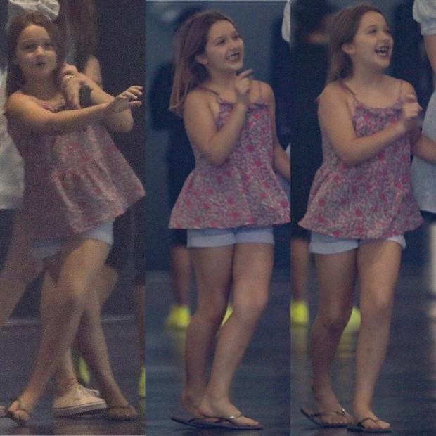 Hình ảnh quậy hiếm hoi của Harper Beckham: Công chúa nhỏ quẩy hết mình trong concert, càng lớn càng xinh xắn - Ảnh 3.