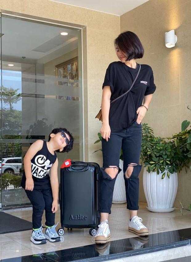 Ngọc Lan lại gây chú ý khi 1 mình đi du lịch cùng con trai mà không có Thanh Bình hậu phủ nhận đang trục trặc hôn nhân - Ảnh 2.