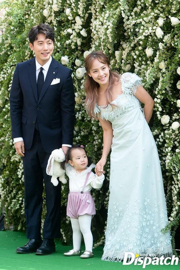 Cả Kbiz xôn xao tin con gái nữ thần Kpop và tài tử Ki Tae Young là thiên tài IQ 127, học ở hẳn trường quốc tế nổi tiếng - Ảnh 1.