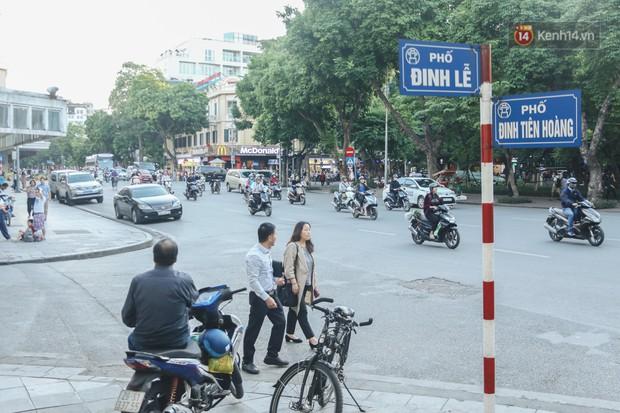 Người Hà Nội nói gì trước đề xuất cấm phương tiện lưu thông quanh Hồ Hoàn Kiếm trong 1 tháng? - Ảnh 2.