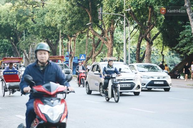 Người Hà Nội nói gì trước đề xuất cấm phương tiện lưu thông quanh Hồ Hoàn Kiếm trong 1 tháng? - Ảnh 5.