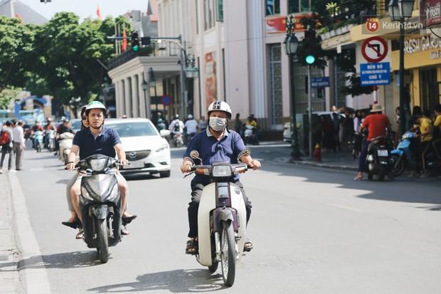 Người Hà Nội nói gì trước đề xuất cấm phương tiện lưu thông quanh Hồ Hoàn Kiếm trong 1 tháng? - Ảnh 7.