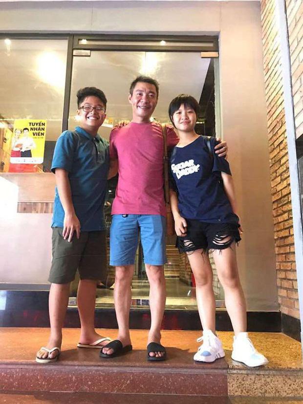 Con trai 18 tuổi chia sẻ chuyện tập hút thuốc, MC Thảo Vân phản ứng: Di truyền là có thật phải không bố Lý toét? - Ảnh 2.