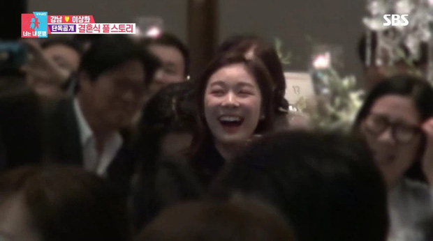 Dự hôn lễ mỹ nam giảm 15kg để lấy vợ, nữ hoàng sân băng Yuna bỗng bật cười khi cô dâu chú rể thề nguyện, lý do là gì? - Ảnh 4.